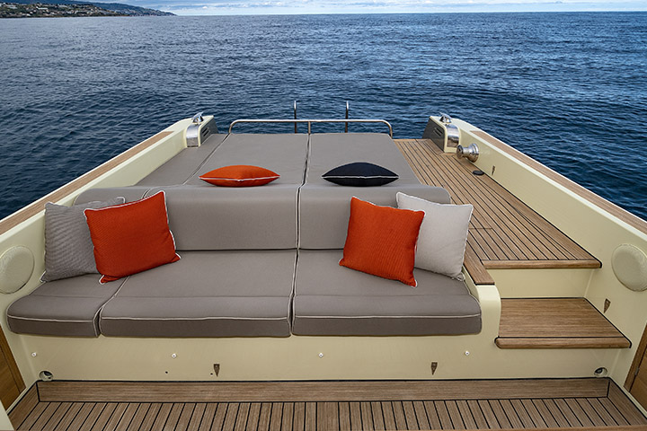 Pleasant Moonride Yachts Creativecarmelina Interior Chair Design Creativecarmelinacom